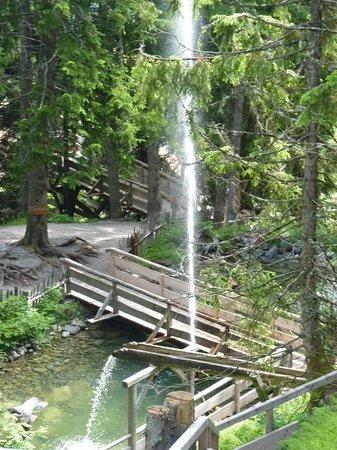 Ellmis Zauberwelt: Water Fountain in full spate