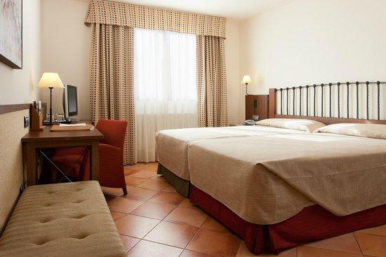 NH Toledo: Guest Room