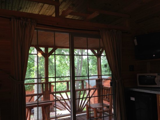 Twin Grove RV Resort & Cottages : Sliding Doors to Deck