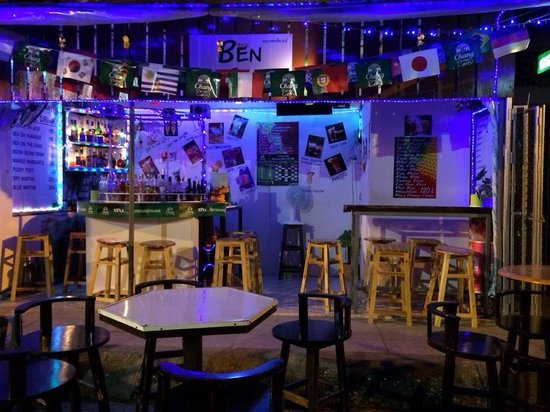 Ben's Cocktail Bar: Good atmosphere, everyone's welcome