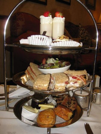 Lodore Falls Lake View Restaurant : A First Class Afternoon Tea