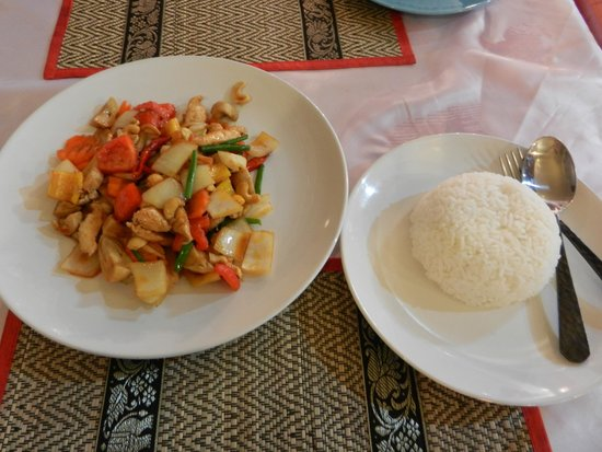 rct restaurant: Chicken with Cashew Nut