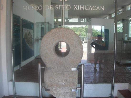Xihuacan Museum and Archeological Site: ENTRADA AL MUSEO DE SITIO
