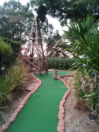 Evie's Family Golf Center: Windmill