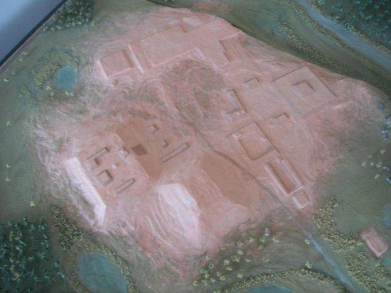 Xihuacan Museum and Archeological Site: MAQUETA DE COMO SE CREE ESTA LA ZONA