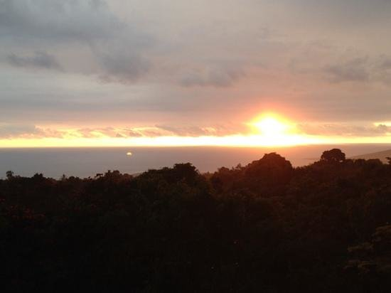 South Kona Hideaway: Sunset