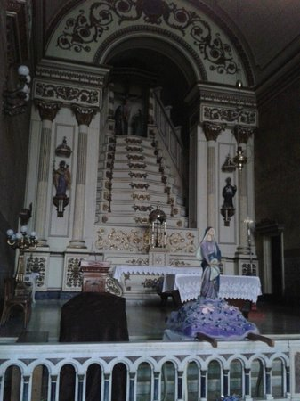 Igreja Nossa Senhora Das Dores : Altar da igreja (foto interna).