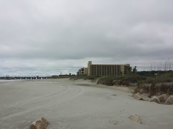 DoubleTree Resort by Hilton Myrtle Beach Oceanfront: View from beach toward hotel