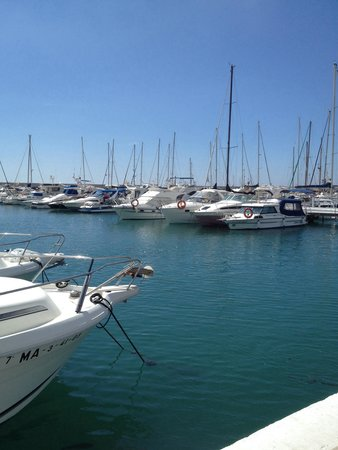 DoubleTree by Hilton Hotel Resort & Spa Reserva del Higueron: Le port de fuengirola