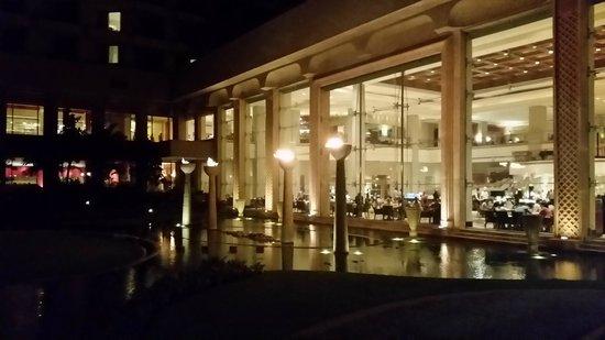 JW Marriott Mumbai Juhu : Breakfast restaurant