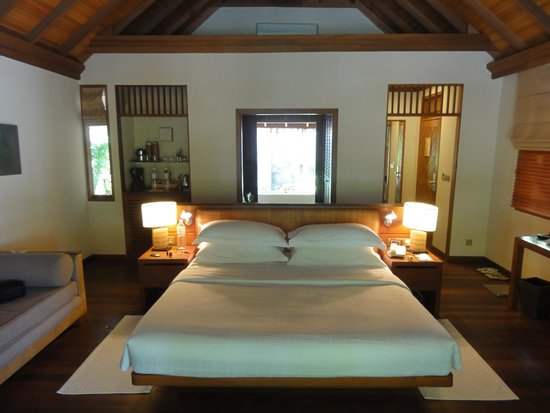Baros Maldives: Inside of our Beach Villa