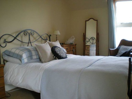 Glenuig House Bed & Breakfast : first room