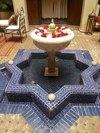 Riad le Clos des Arts : Courtyard
