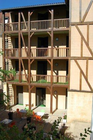 Hôtel de Compostelle : Côté Jardin