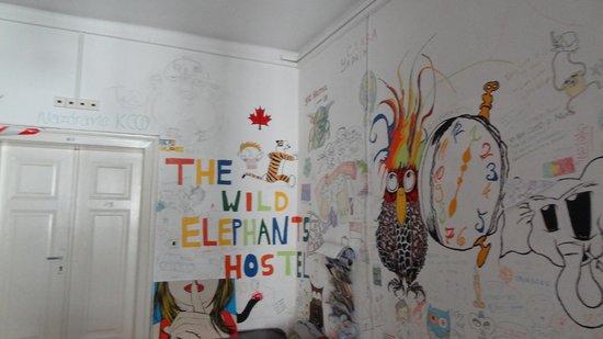 Wild Elephants Hostel: Reception Mural