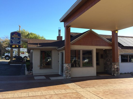 Best Western Plus Frontier Motel : Road frontage and registration