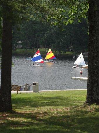 Woodloch Pines Resort: Lake Teedyuskung_sailboats