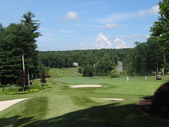 Woodloch Pines Resort: Golf Course at the Springs