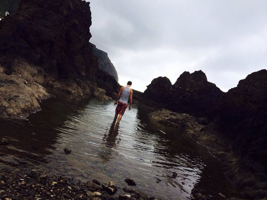Porto Moniz Natural Swimming Pools: Almost like a professional took this photo.. (Almost..) :)