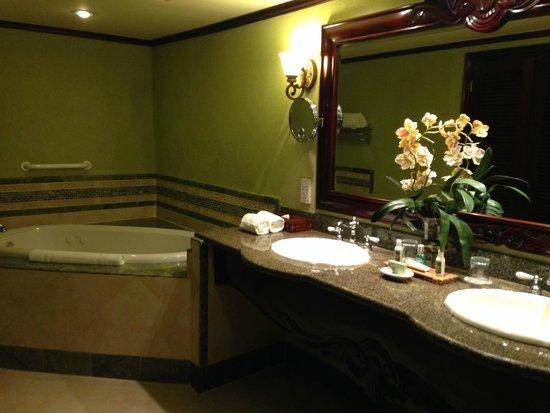 Jewel Dunn's River Beach Resort & Spa, Ocho Rios,Curio Collection by Hilton: Bathroom