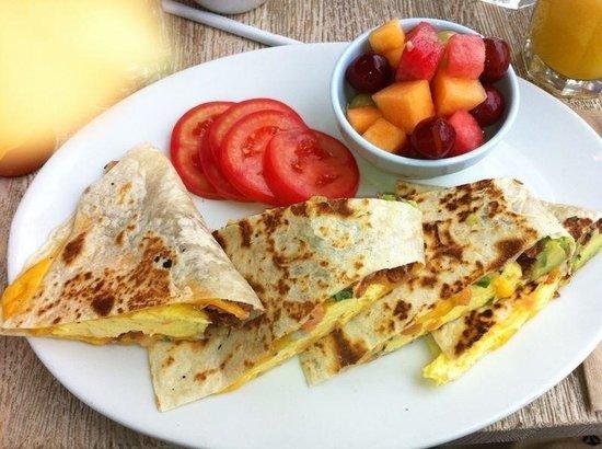 Blue Plate Oysterette : Breakfast quesadilla