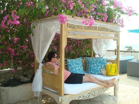 Karmairi Hotel Spa: Area da piscina/praia