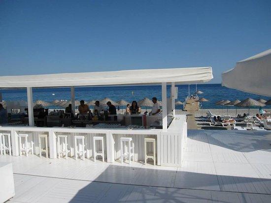 Hotel SU : Beach bar