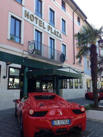 Facciata Hotel Plaza