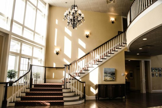 The Daniel : Main Lobby Staircase