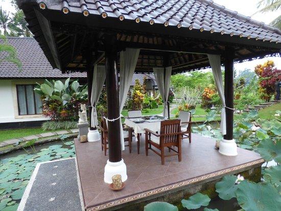 Villa Taman di Blayu: Coin repas