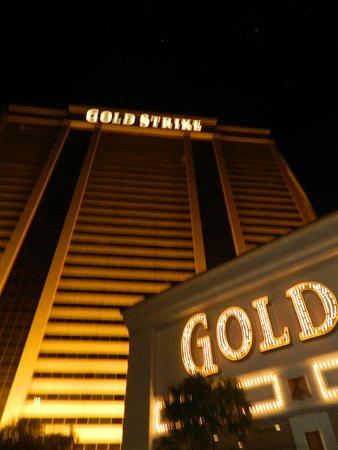Gold Strike Casino Resort : Pic of the hotel