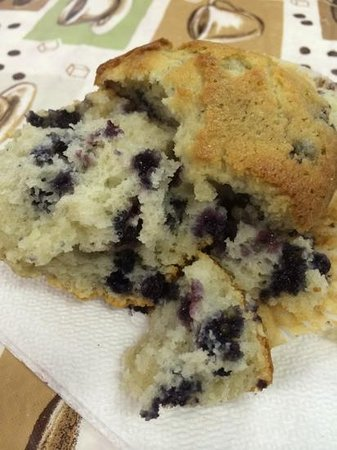 Otter Creek Inn: Randy's Blueberry Muffin