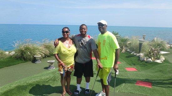 Bermuda Fun Golf: The 3 of us