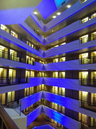 Sheraton Springfield at Monarch Place : Inside