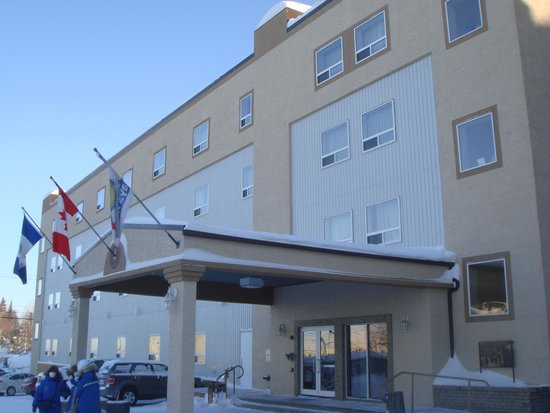 Days Inn & Suites Yellowknife: ホテル外観