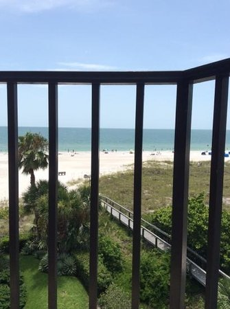 Gulf Beach Resort: Gulf side view from 504 balcony.