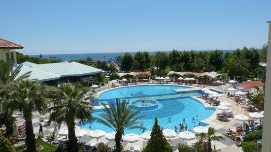 Le Jardin Resort: Vue de la piscine
