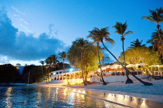 Secret Harbour Beach Resort: Secret Harbour waterfront dining