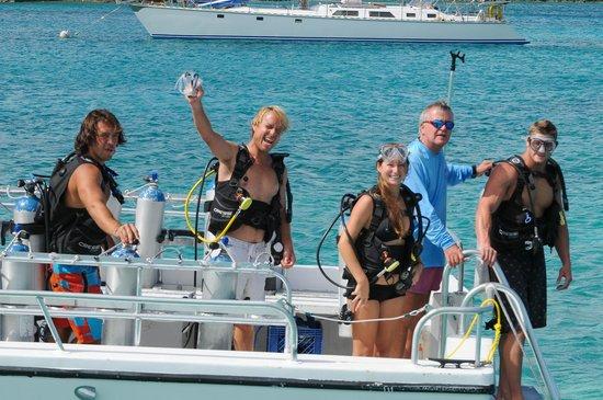Secret Harbour Beach Resort: Secret Harbour's PADI dive shop is Aqua Action