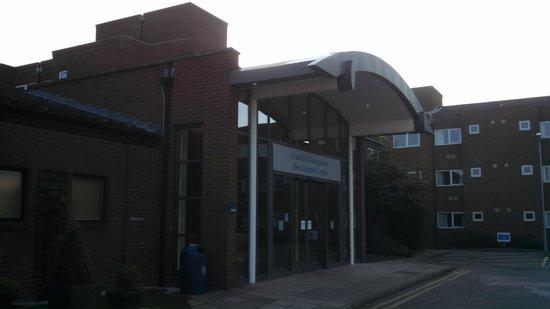 Cranfield Management Development Centre (CMDC): Front of building