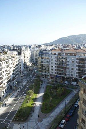 Tryp San Sebastian Orly Hotel : View towards the city