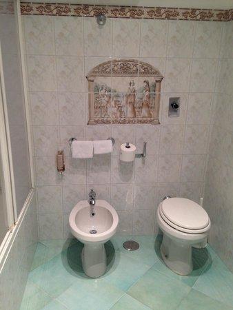 Hotel Villa Sanfelice: Baño