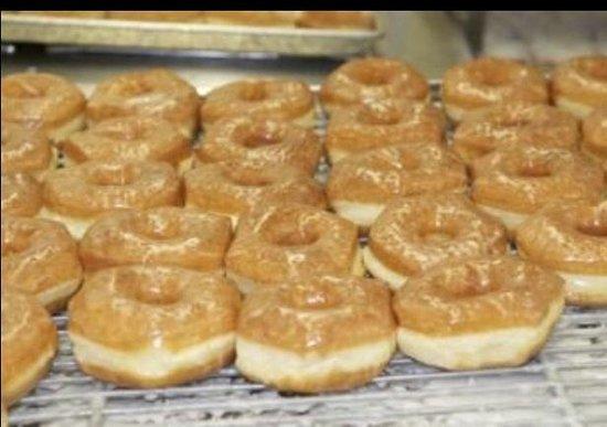 Irish Maid Donuts : Glazed Donuts!