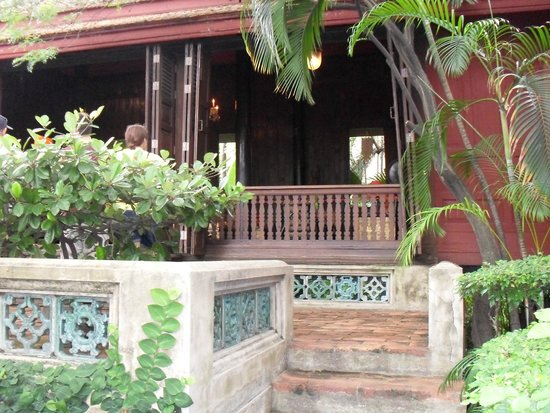 Jim-Thompson-Haus: one of the actual teak houses in the compound.