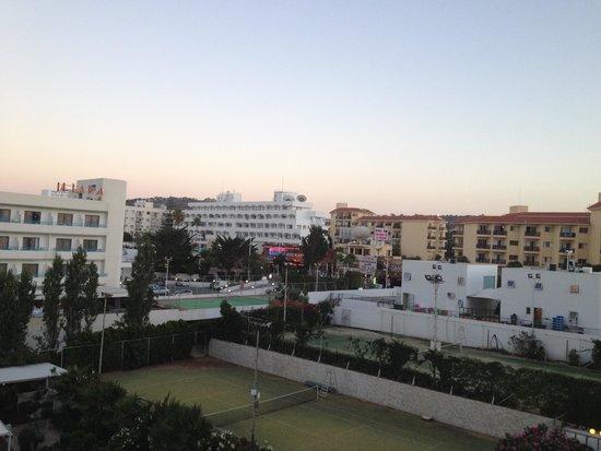 Sunrise Beach Hotel: View from balcony