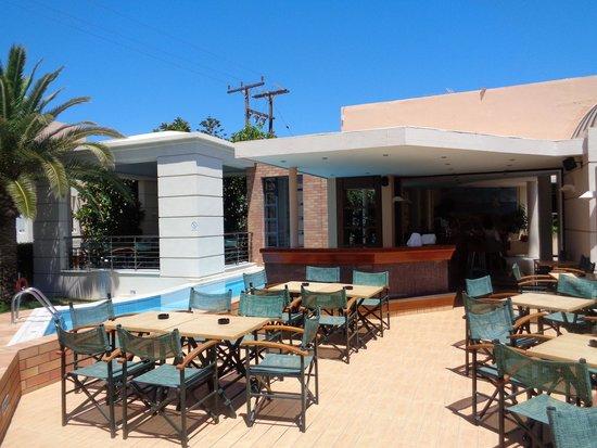 Eva Bay Hotel : bar główny