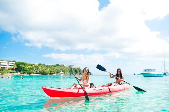 Secret Harbour Beach Resort: Beach water sports for everyone