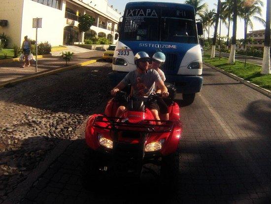 Estigo Tours: In the streets of PV with Estigo Scooters