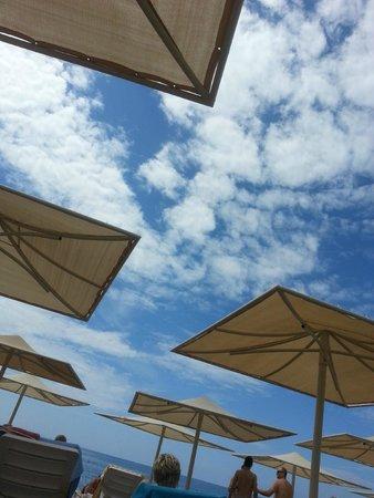 Lycus Beach Hotel: Blue sky