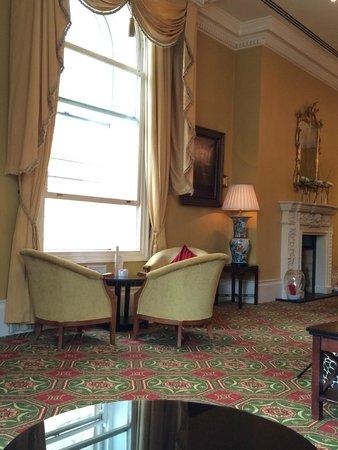 Bristol Marriott Royal Hotel: BAr 1